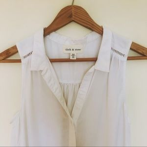 Cloth & Stone Anthropologie White Button Up Top XS